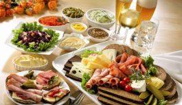 Праздничный стол: как сохранить здоровье