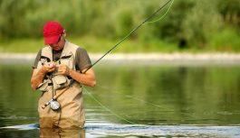 Что подарить рыбаку: товары и аксессуары для рыбалки