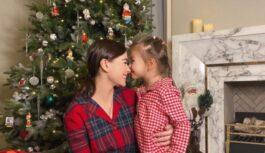 Новогоднее настроение: Елена Темникова спела вместе с 5-летней дочкой